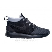 Nike Roshe run Sneakerboot noir Nike Roshe Requin Foot Locker