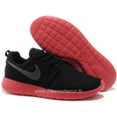 Chaussures Nike Roshe Run Couple Homme Noir Rouge Factory Paris