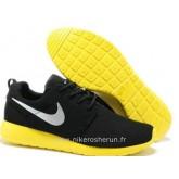 Nike Roshe Run pour Homme Noir Jaune Argent Nike Roshe Run Requin Foot Locker