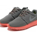 Nike Roshe Run Chaussure pour Femme Grey Rose Soldes