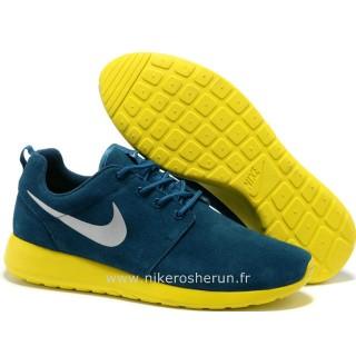 Chaussures Nike Roshe Run Suede Femme Gray ClairRose Nike Run Roshe Chaussure De Securite
