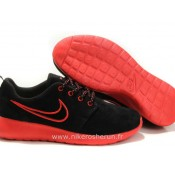 Chaussures Nike Roshe Run Suede Femme Noir Rouge Roshe Run Blanche Store Chatelet