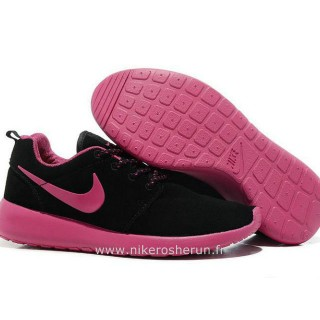 Nike Roshe Run Chaussure pour Femme Noir Rose Chaussures Montantes